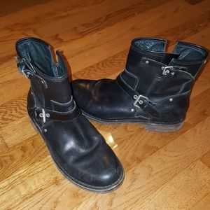 UGG Fabrizia Black Boot 7.5